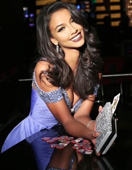 Chân dung Hoa hậu Pháp Flora Coquerel. Cô gái 21 tuổi được trang Globalbeauties xếp vào top 5 bình chọn. - Tin sao Viet - Tin tuc sao Viet - Scandal sao Viet - Tin tuc cua Sao - Tin cua Sao