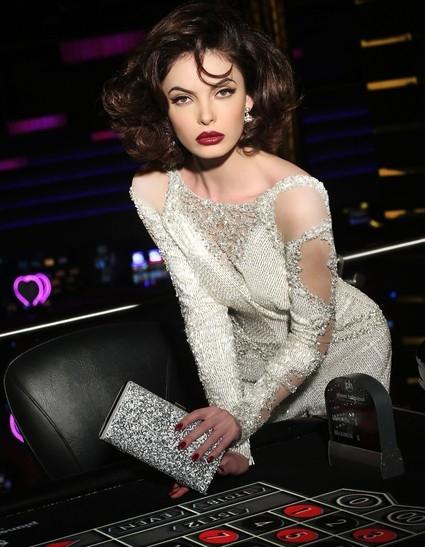 Hoa hậu Kosovo tạo dáng như minh tinh Hollywood - Tin sao Viet - Tin tuc sao Viet - Scandal sao Viet - Tin tuc cua Sao - Tin cua Sao