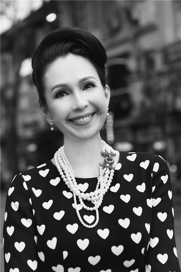 Diễm My thường kết hợp trang phục với những phụ kiện đắt đỏ của thương hiệu hàng đầu thế giới Chanel. Hiện tại, Diễm My đã sở hữu hơn 500 thiết kế của Đỗ Mạnh Cường với sự đa dạng về kiểu dáng, chất liệu.