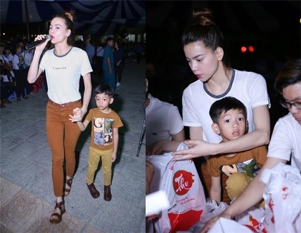 Subeo tình cảm buộc dây giày giúp mẹ khiến cư dân mạng thích thú - Tin sao Viet - Tin tuc sao Viet - Scandal sao Viet - Tin tuc cua Sao - Tin cua Sao