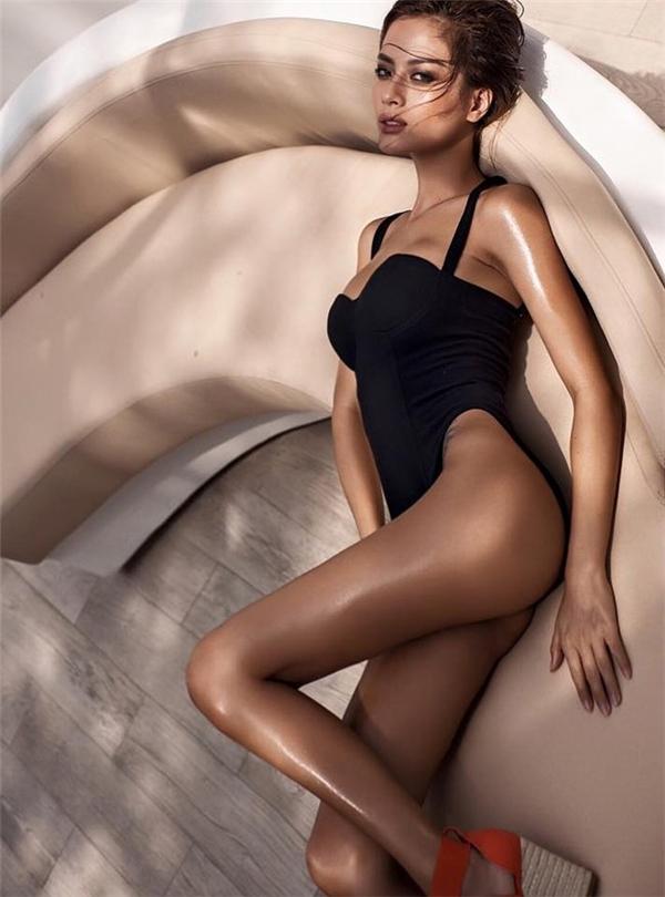 Bà mẹ mộtcon có thân hình chuẩn không kém các siêu mẫu Victoria's Secret.