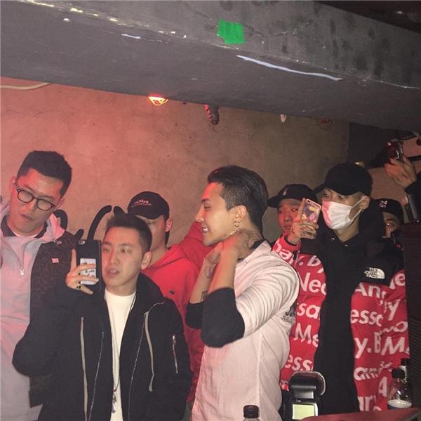 Xuất hiện tại hộp đêm, G-Dragon bị chỉ trích hư hỏng như Justin Bieber