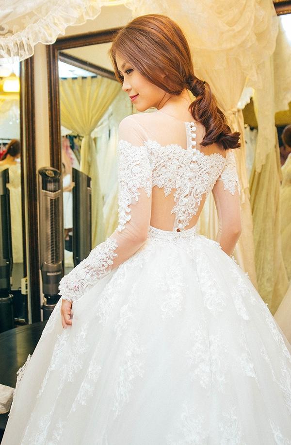 Á hậu 2 Hoa hậu Việt Nam 2014 vô cùng xinh đẹp và quyến rũ trong bộ váy cưới màu trắng. - Tin sao Viet - Tin tuc sao Viet - Scandal sao Viet - Tin tuc cua Sao - Tin cua Sao