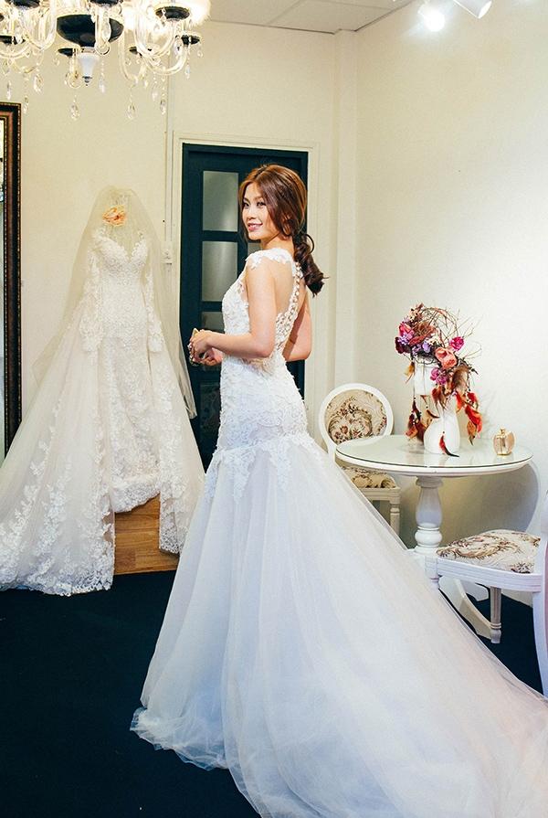 Tuy nhiên, đây chỉ là mẫu váy cưới được Diễm Trang mặc trong hôn lễ tổ chức tại Vĩnh Long vào ngày 24/12. - Tin sao Viet - Tin tuc sao Viet - Scandal sao Viet - Tin tuc cua Sao - Tin cua Sao