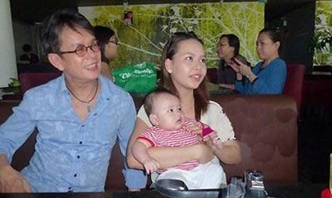 Nhạc sỹ Đức Huy cùng người vợ trẻ và cậu con trai đáng yêu. - Tin sao Viet - Tin tuc sao Viet - Scandal sao Viet - Tin tuc cua Sao - Tin cua Sao
