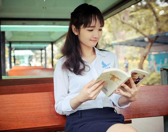 Đọc sách giúp con người mở rộng tri thức. (Ảnh: Internet)