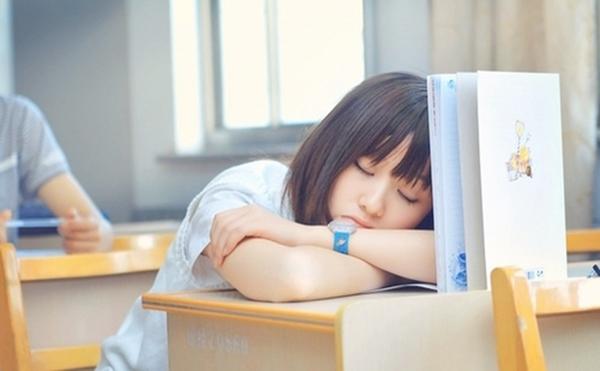 Đừng để bản thân rơi vào tình trạng thiếu ngủ. (Ảnh: Internet)
