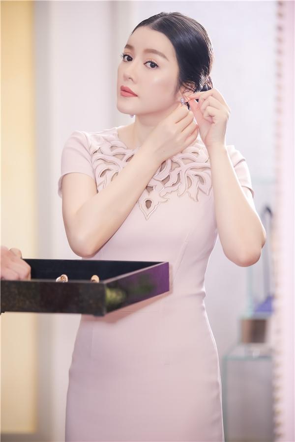 Đôi bông tai được người đẹp chọn có giá 45.900 USD (khoảng hơn 1 tỉ đồng) - Tin sao Viet - Tin tuc sao Viet - Scandal sao Viet - Tin tuc cua Sao - Tin cua Sao