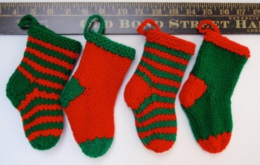 Và đừng quên những chiếc tất be bé, xinh xinh đểÔng già Noel cho quà vào nhé. (Ảnh: BuzzFeed)