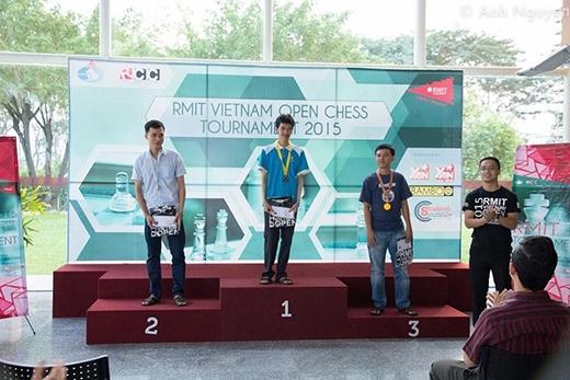 Hình ảnh của ba vận động viên được vinh danh ở hạng mục cá nhân Nam.