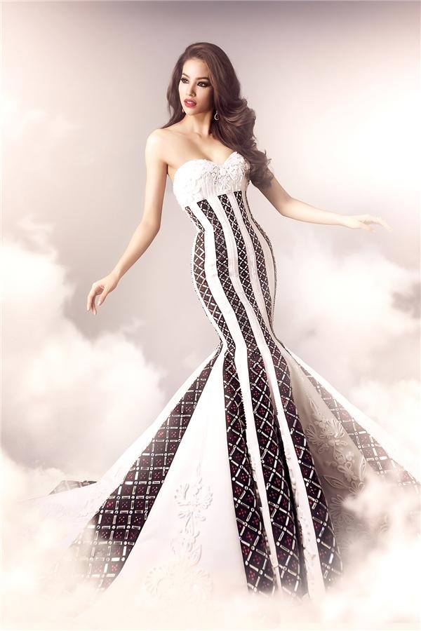 Người trong nghề nói gì về váy dạ hội của Phạm Hương tại Miss Universe