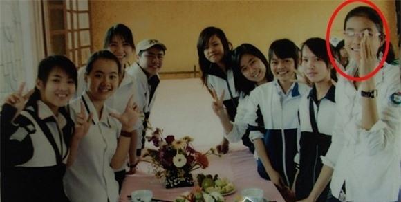 Những hình ảnh ngày nhỏ cực đáng yêu của Hoa hậu Phạm Hương - Tin sao Viet - Tin tuc sao Viet - Scandal sao Viet - Tin tuc cua Sao - Tin cua Sao
