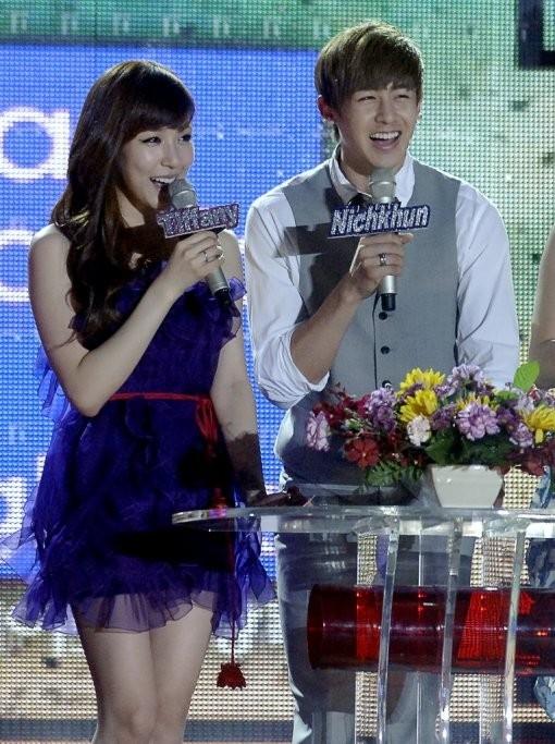 """Top 11 tin """"động trời"""" làng giải trí xứ Hàn năm 2015"""