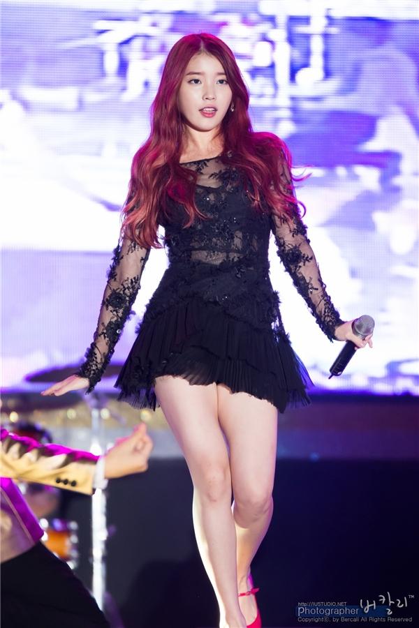 Fan phẫn nộ vì Yoona và IU bị nhạo báng
