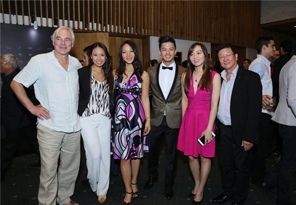 Gương mặt mới của năm Trọng Hiếu Idol.Quán quân Vietnam Idol 2015 được cả gia đình tháp tùng trong sự kiện này. - Tin sao Viet - Tin tuc sao Viet - Scandal sao Viet - Tin tuc cua Sao - Tin cua Sao