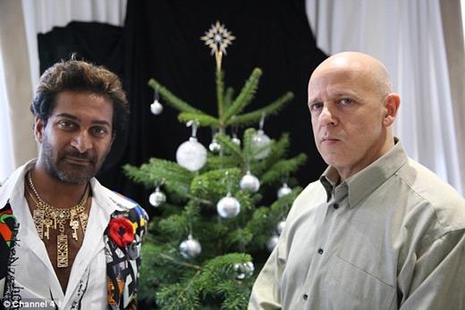 Marcel Knobil và Amar Thapen là hai tác giả của ngôi sao trang trí cây thông xa xỉ nhất thế giới này. (Ảnh: Daily Mail)