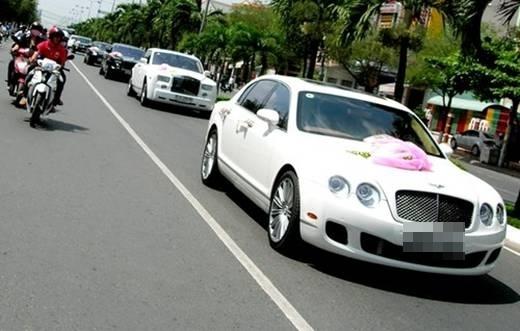 """Đám cưới với dàn siêu xe từng làm """"náo loạn"""" cộng đồng mạng năm 2012.(Ảnh: Internet) - Tin sao Viet - Tin tuc sao Viet - Scandal sao Viet - Tin tuc cua Sao - Tin cua Sao"""