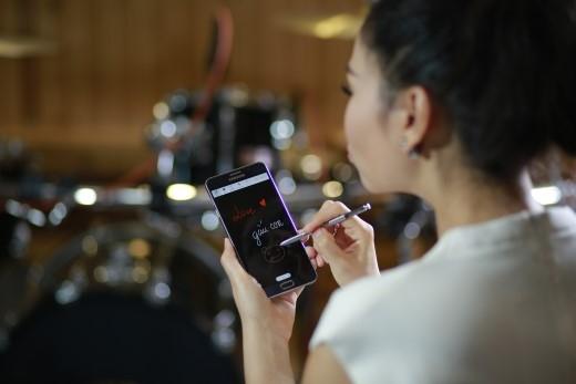 """Samsung Galaxy Note5 là """"bạn đồng hành"""" của Thu Minh trong công việc lẫn cuộc sống - Tin sao Viet - Tin tuc sao Viet - Scandal sao Viet - Tin tuc cua Sao - Tin cua Sao"""