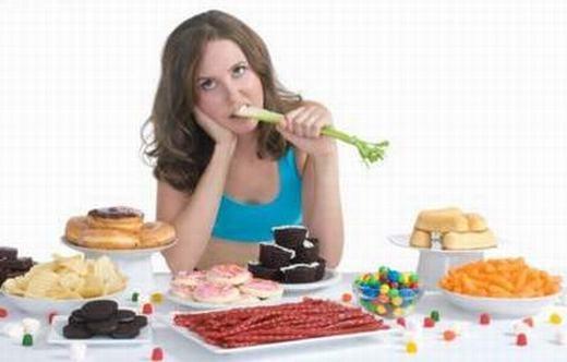 Cảm giác nhanh no khi ăn cũng vậy, và nó thường bị nhầm lẫn với các vấn đề liên quan đến tiêu hóa. (Ảnh: Internet)