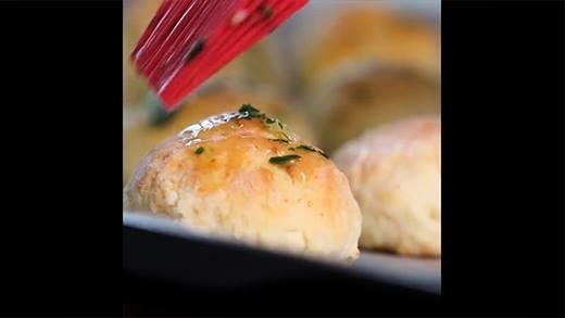Bổ sung công thức làm món ăn vặt mới: bánh phô mai tỏi