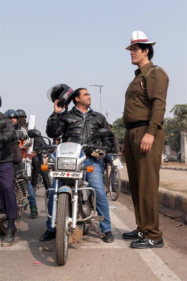 Rajesh Kumar, 38 tuổi, là cảnh sát cao nhất Ấn Độ với chiều cao lên tới 2,16m.