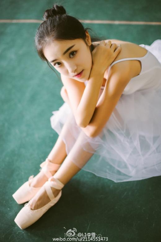 Ngắm nữ sinh ba lê có vẻ đẹp hoàn hảo, vạn người mê