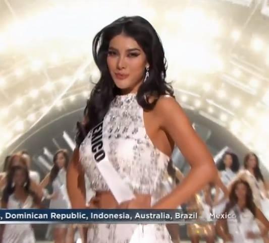 Phạm Hương bất ngờ bị loại khỏi top 15 Hoa hậu Hoàn vũ 2015 - Tin sao Viet - Tin tuc sao Viet - Scandal sao Viet - Tin tuc cua Sao - Tin cua Sao