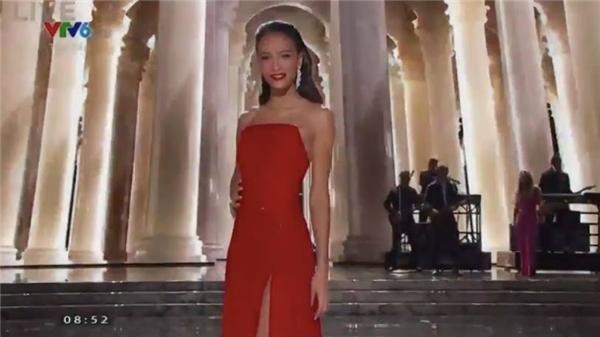Người đẹp đại diện Pháp - Tin sao Viet - Tin tuc sao Viet - Scandal sao Viet - Tin tuc cua Sao - Tin cua Sao