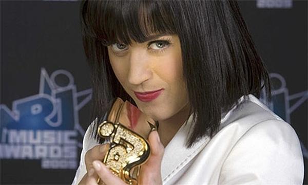 KatyPerry bị trao nhầm giải Ca khúc của năm tạiNRJ Music Awards
