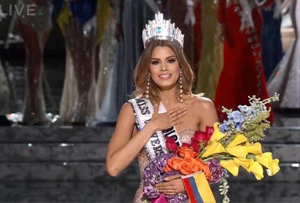 Ariadna Gutiérrez - Miss Colombia đã khóc oà hạnh phúc trong giây phút được xướng tên cho ngôi vị cao nhất của HHHV 2015.