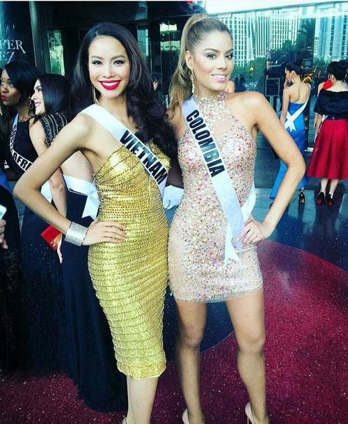 Người đẹp Columbia khoe sắc bên cạnh Phạm Hương.