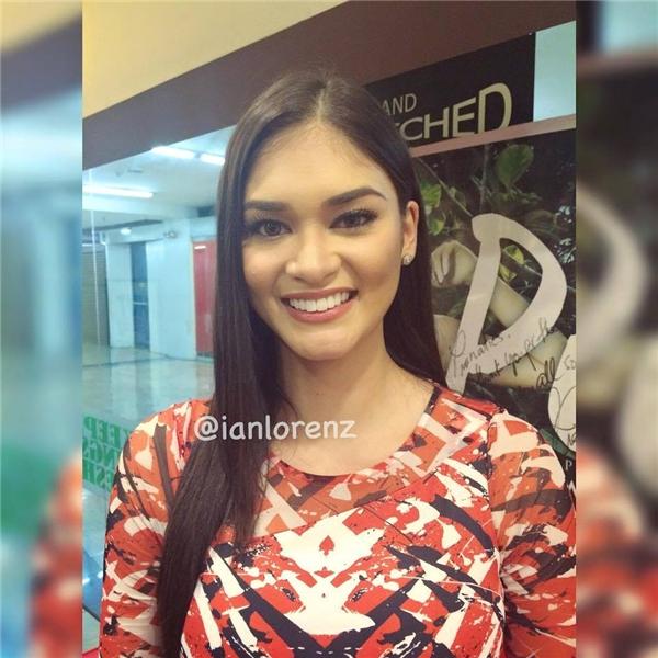 Sau thời điểm đăng quang Hoa hậu Hoàn vũ Philippines, gương mặt của Pia vẫn còn khá thô và có những nét khá cứng. Càng về sau, gương mặt cô gái này trở nên thon gọn và thanh thoát hơn.