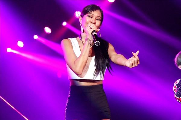 """Nhóm nhạc Hàn Quốc Lucky J khiến cả hội trường """"phát cuồng"""". - Tin sao Viet - Tin tuc sao Viet - Scandal sao Viet - Tin tuc cua Sao - Tin cua Sao"""