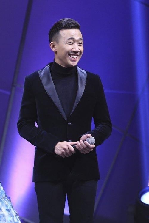 Là một MC nhiều kinh nghiệm, hoạt ngôn và bản lĩnh, Trấn Thành luôn làm chủ sân khấu và làm tăng thêm tính sôi động, kết nối cho cácchương trình anh đảm nhận. - Tin sao Viet - Tin tuc sao Viet - Scandal sao Viet - Tin tuc cua Sao - Tin cua Sao