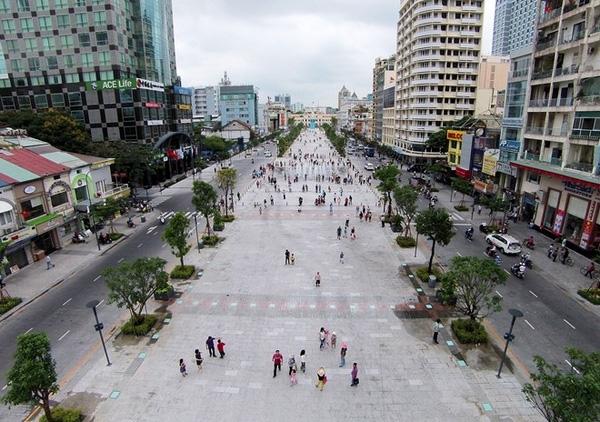 Phối cảnh đường hoa Tết Bính Thân ở Sài Gòn