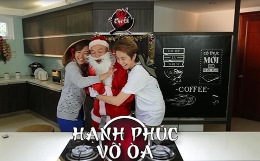 Gil Lê và Băng Di vui sướng vì được gặp ông già Noel mập mập như trong mơ