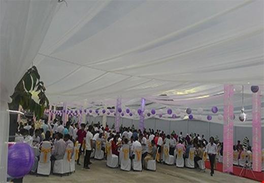 Khách mời có nhiều người đi siêu xe từ Sài Gòn về dự lễ cưới. (Ảnh Internet)