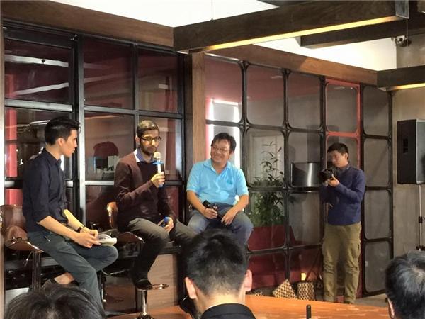 Ông Sundar Pichai chia sẻ trong buổi giao lưu tại Hà Nội chiều 22/12. (Ảnh: Trí Thức Trẻ)