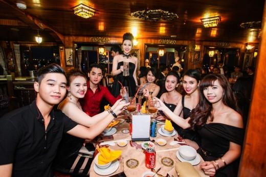 Đêm Dạ tiệc được tổ chức với những tiết mục văn nghệ sáng tạo, độc đáo đã để lại nhiều ấn tượng tốt đẹp trong lòng các khách hàng cũng như ban tổ chức.