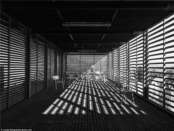 Một góc nhỏ trên gác xép của Học viện Max Planck, Dresden, Đức. (Ảnh: Junjie Zeng, Trung Quốc)