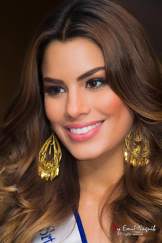 Hiện Hoa hậu Colombia vẫn chưa lên tiếng. Người đẹp đang dành thời gian cho gia đình và người thân hậu Miss Universe 2015.