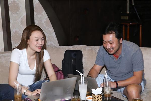 Cùng ngồi trên ghế nóng chương trìnhVietnam Idolnhiều năm liền, vì thế cả hai có mối quan hệ bạn bèthân thiết với nhau. - Tin sao Viet - Tin tuc sao Viet - Scandal sao Viet - Tin tuc cua Sao - Tin cua Sao