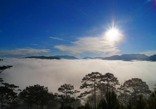5 giờ 30 sáng là thời điểm lí tưởng nhất để đến với đèo Long Lanh. (Ảnh: Internet)