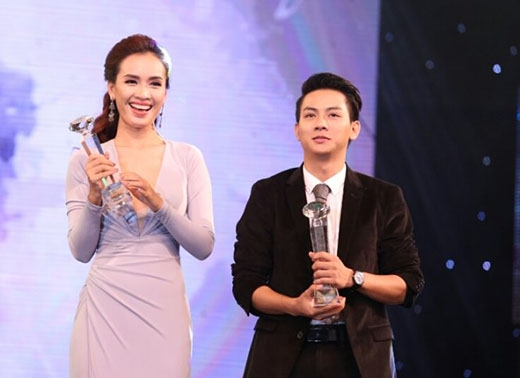 Hoài Lâm nhận giải nam ca sĩ triển vọng của Làn sóng xanh 2015. - Tin sao Viet - Tin tuc sao Viet - Scandal sao Viet - Tin tuc cua Sao - Tin cua Sao