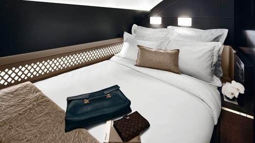 Phòng ngủ được trang bị giường đôi. (Ảnh: Marina Lystseva)