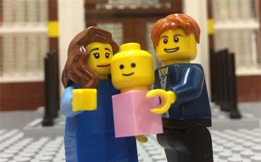 Trung tâm lego Manchester ở Anh đã tạo ra bộ lego gia đình mô phòng theo gia đình Hoàng tử William và đứa con mới chào đời.