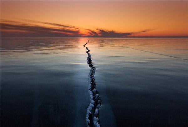 Vết nứt trên mặt hồ Baikal.