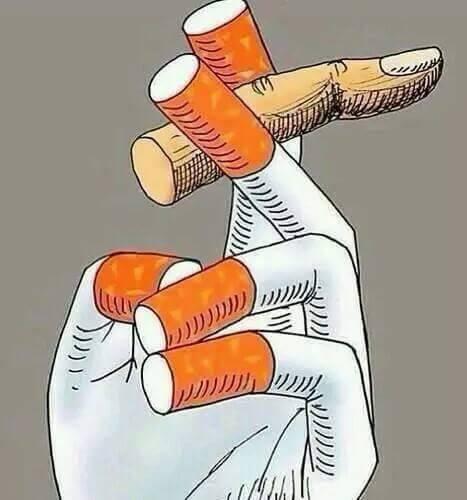 """Là bạn đang hút thuốc lá hay những điếu thuốc lá đang """"hút"""" tuổi thọcủa bạn? (Ảnh: Internet)"""