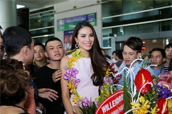 Dù không lọt top cao tại Miss Universe, nhưng cái tên Phạm Hương vẫn phủ kín các diễn đàn, mạng xã hội và mặt báo. - Tin sao Viet - Tin tuc sao Viet - Scandal sao Viet - Tin tuc cua Sao - Tin cua Sao