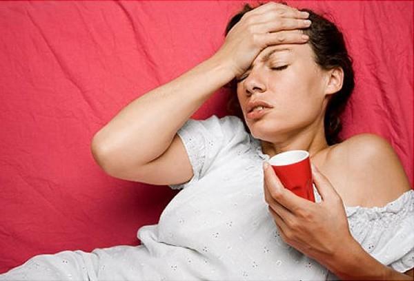 Ngoài caffeine và đường, nước tăng lực còn chứa nhiều chất gây hại sức khỏe nếu dùng nhiều. (Ảnh: Internet)